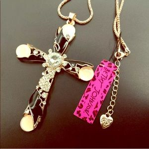 NEW Betsey Johnson Rhinestone Cross ✝️ Necklace